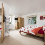 manor-bedroom-with-en-suite