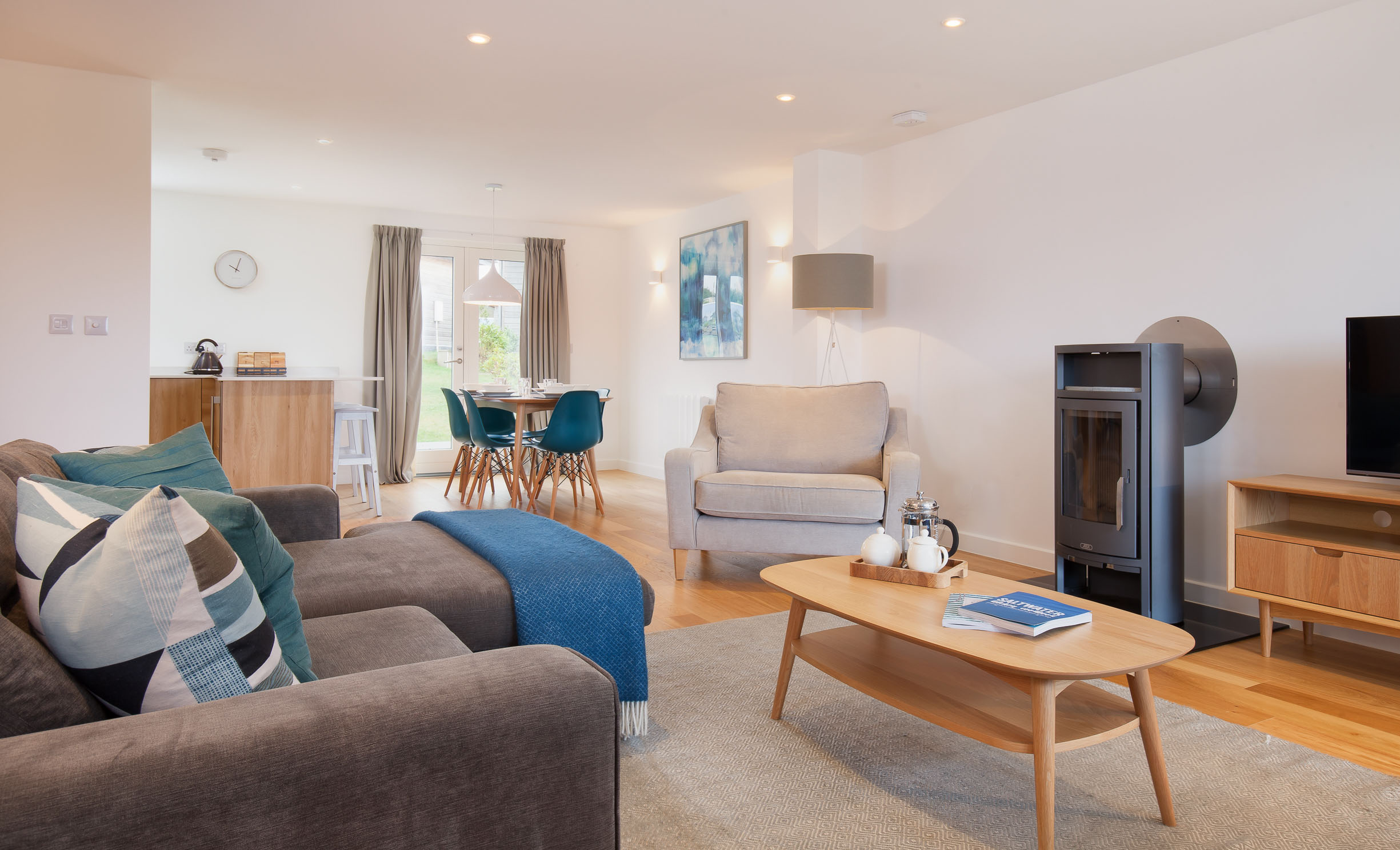 Lodge living area at Una St Ives